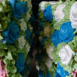 Blumenwand-Torte Rosen spritzen Creme