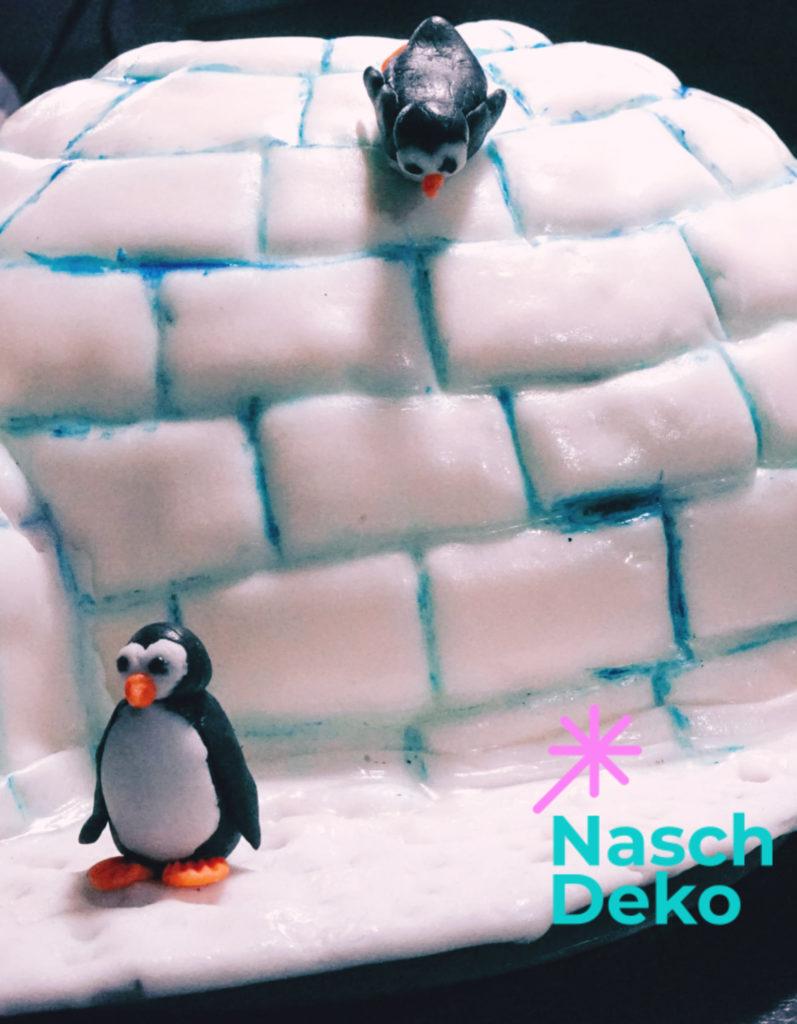 Iglu Motivtorte mit Pinguinen