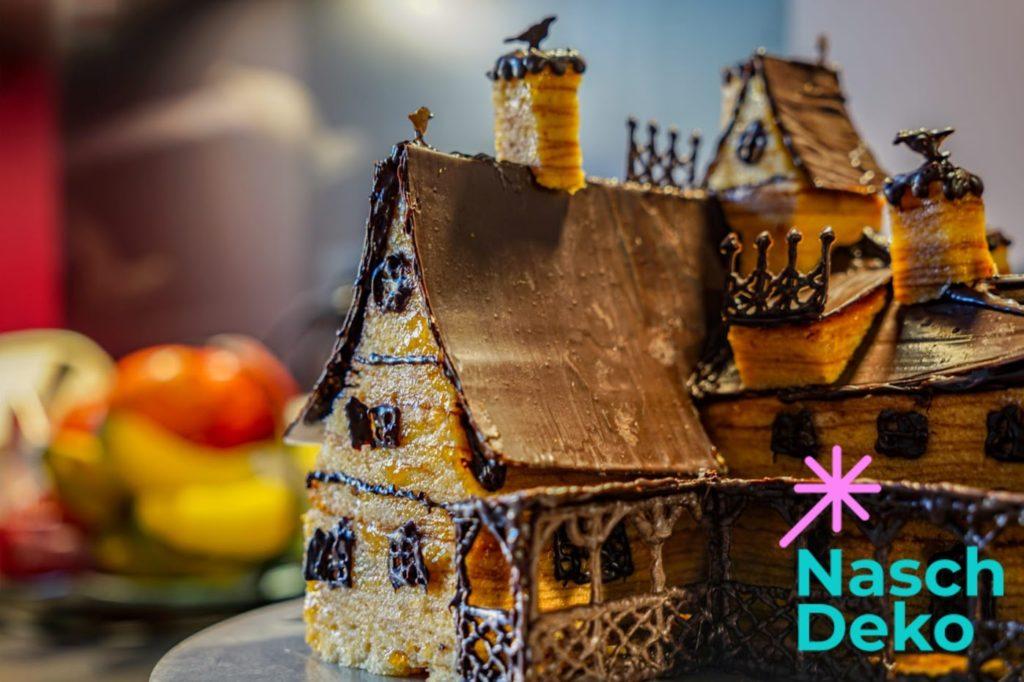 Halloween Motivtorte backen Baumkuchen Haus